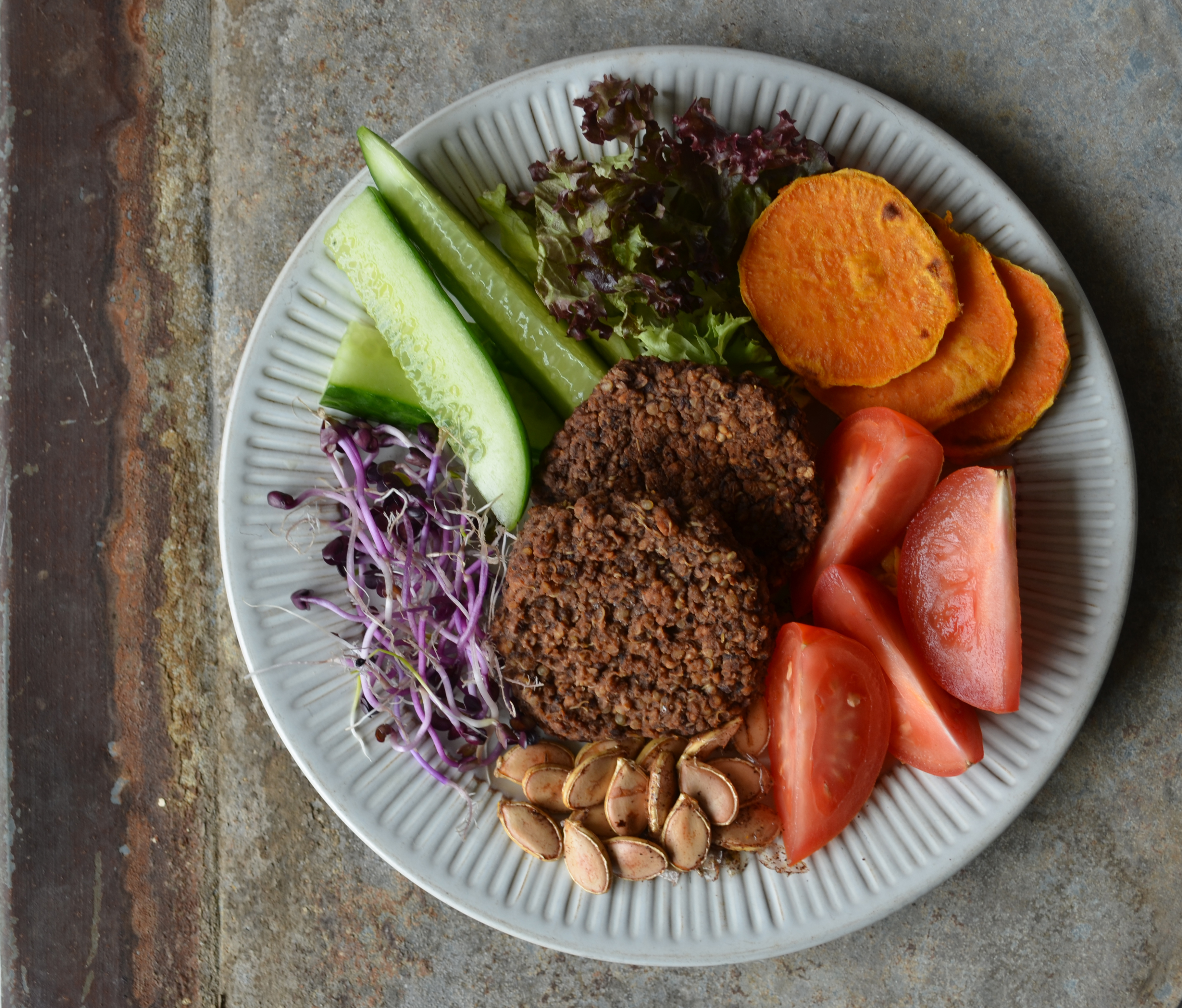 Black Bean Quinoa Burgers with Veggies