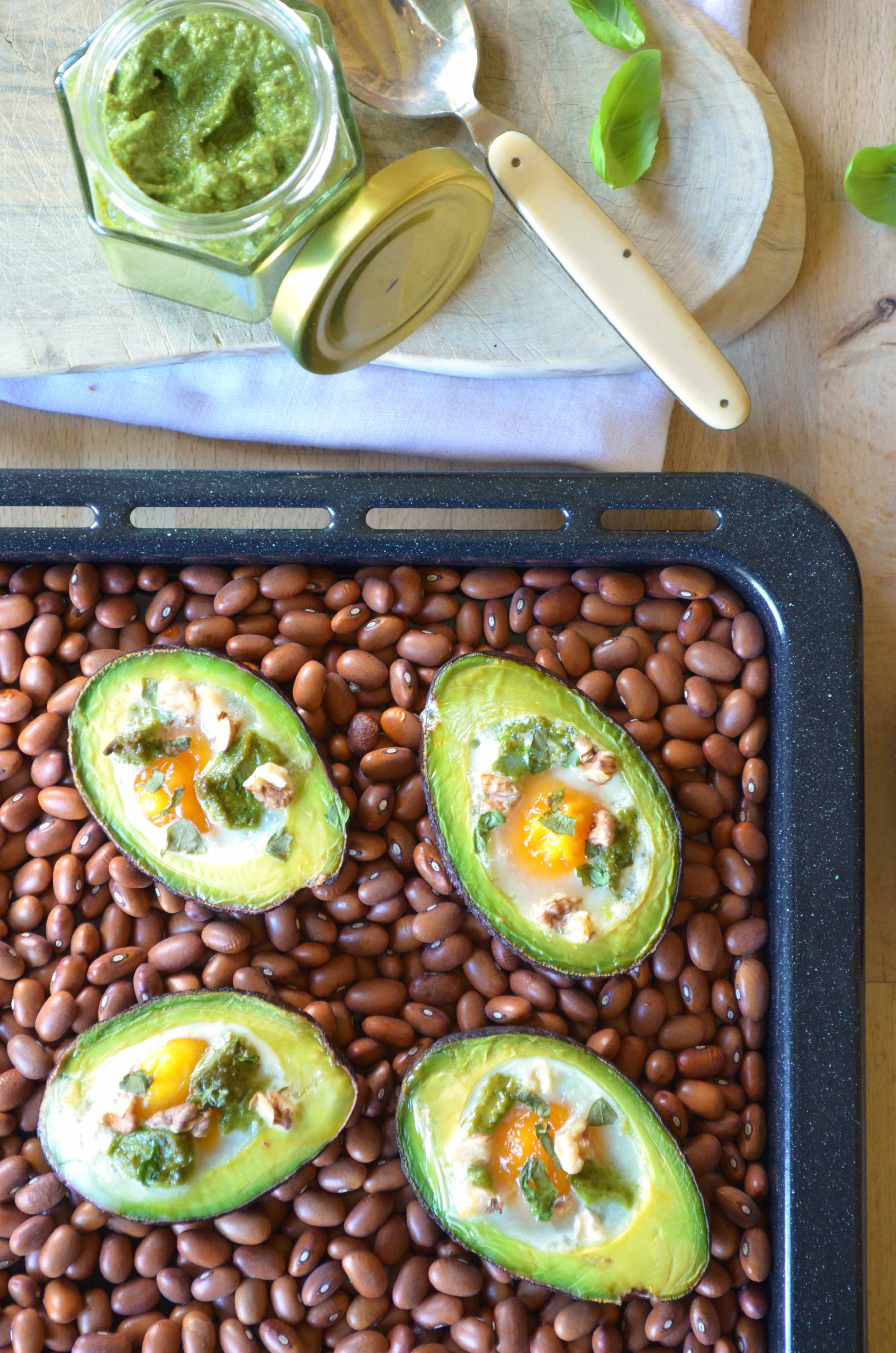 Avocado Boats with Eggs and Creamy Pesto