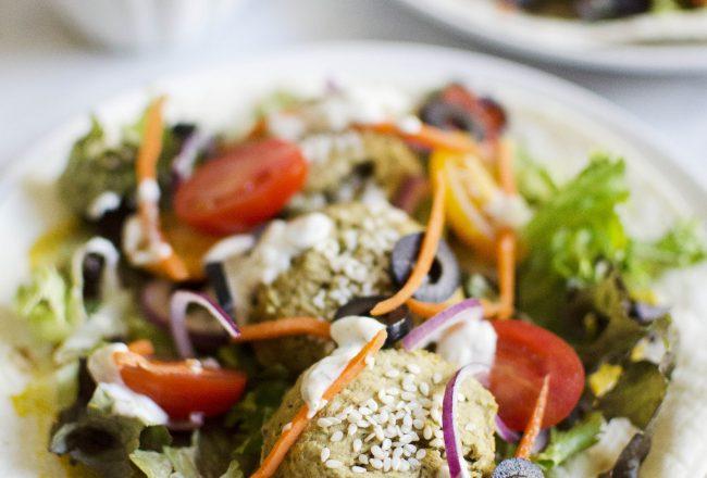 Recipe for vegan falafels with fresh mint, cilantro and pistachio's.